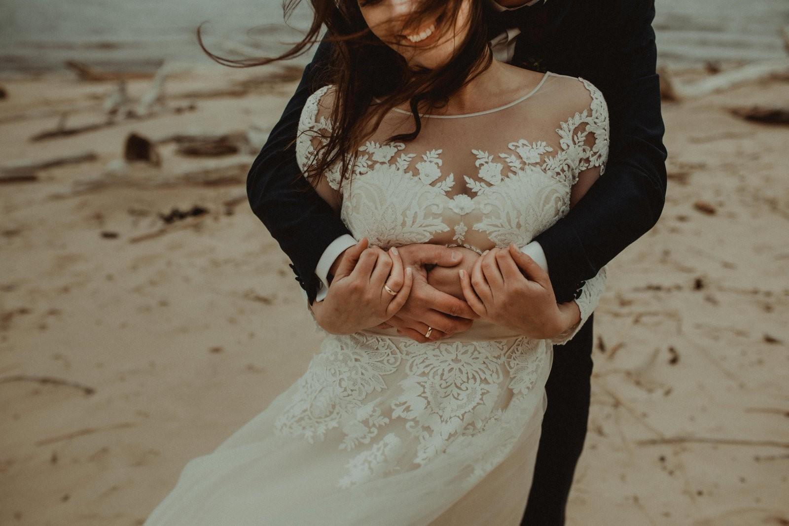 kāzas pie jūras - pludmales kāzas