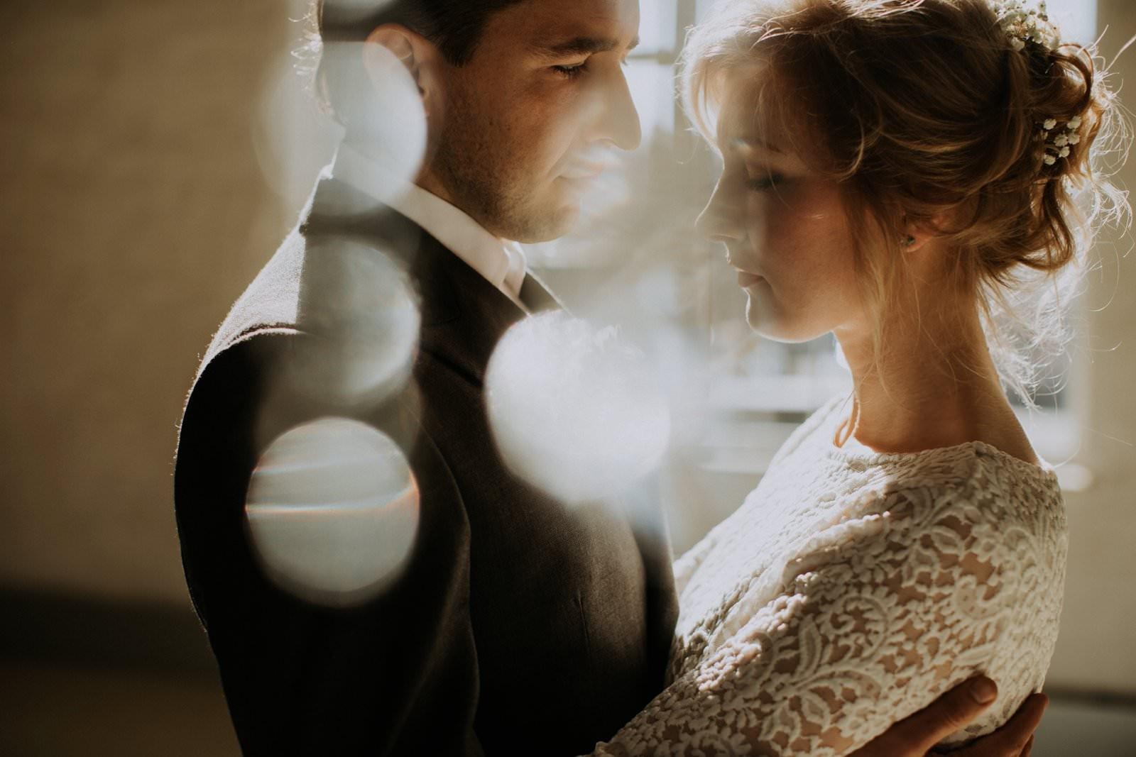 kāzas-pāris-saule